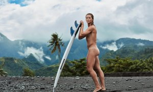 Courtney Conlogue je ďalšou nahou surferkou pre ESPN Body Issue