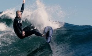 Epický surfing New Blood - Welcome Dion